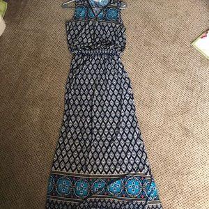 Dresses & Skirts - Arianna by Howard's Maxi dress